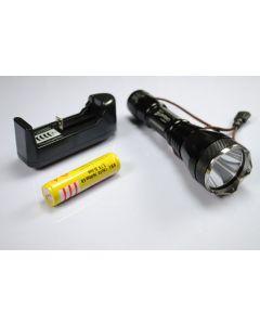 UniqueFire UF-2190 Cree XM-L T6 3-tryb wstrząsoodporna 18650 baterii i ładowarki